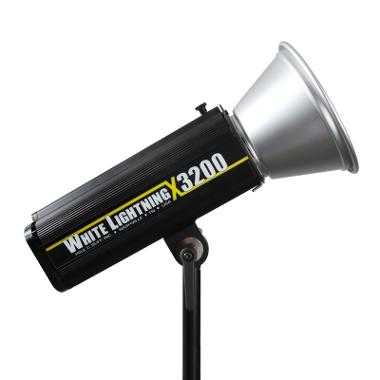 White Lightning 1320W/s X3200 Flash
